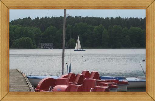 Jeziora w Olsztynie mają wypożyczalnie sprzętu pływającego.